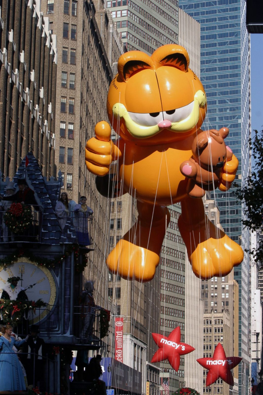Pin By Deb Mackay On Urban Elements Macy S Thanksgiving Day Parade Thanksgiving Day Parade Macy S Day Parade