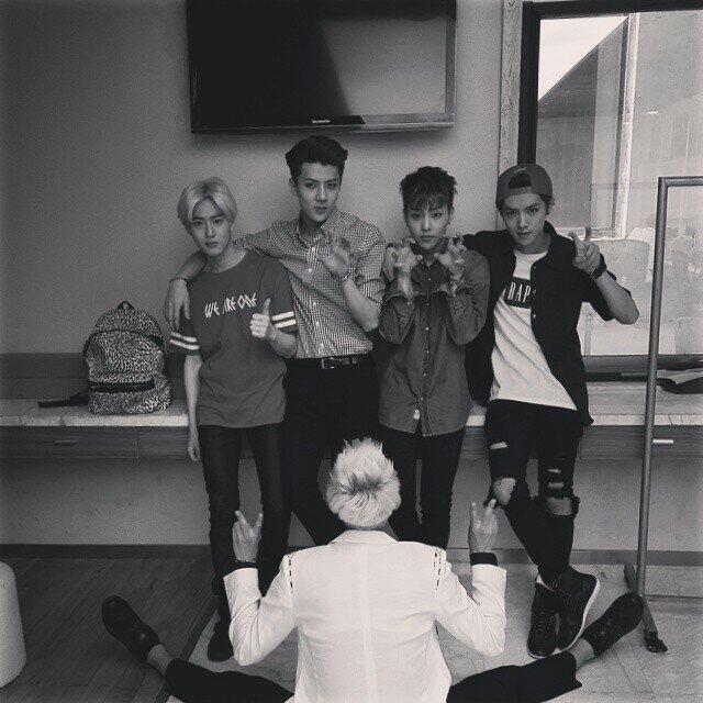 [UPDATE] 140612 Sehun's Instagram Update : 이쁘네 http://instagram.com/p/pIod6dLkHT/ pic.twitter.com/A4TD6ieJHI