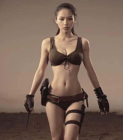 Sexy Cosplay of Lara Croft | MyConfinedSpace