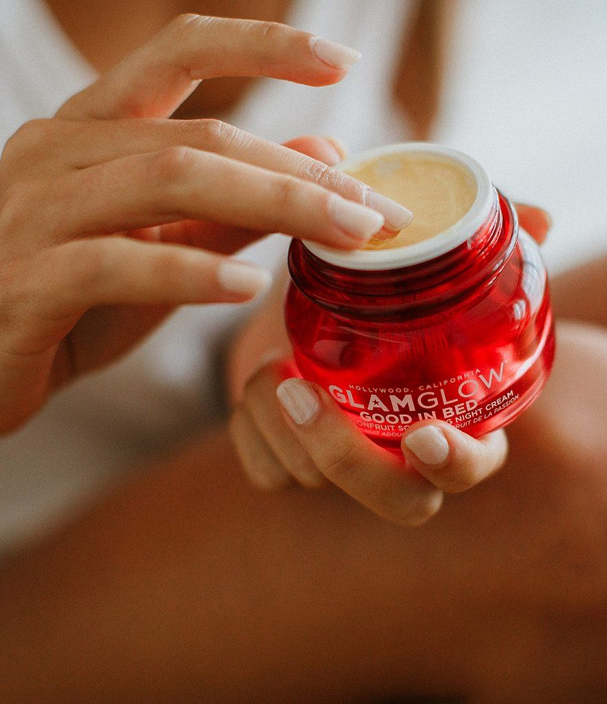 GLAMGLOW Good in Bed? Passionfruit Softening Night Cream