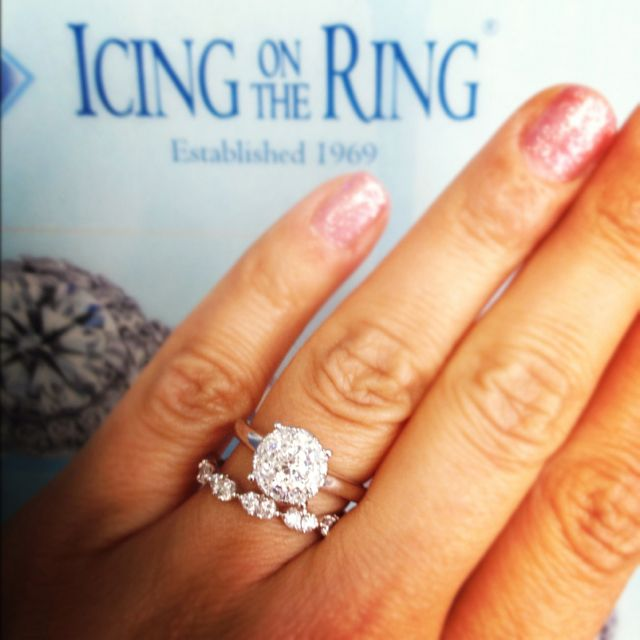 Los Angeles Jewelry District La Diamond Icing On The Ring Icing On The Ring Engagement Cluster Engagement Ring