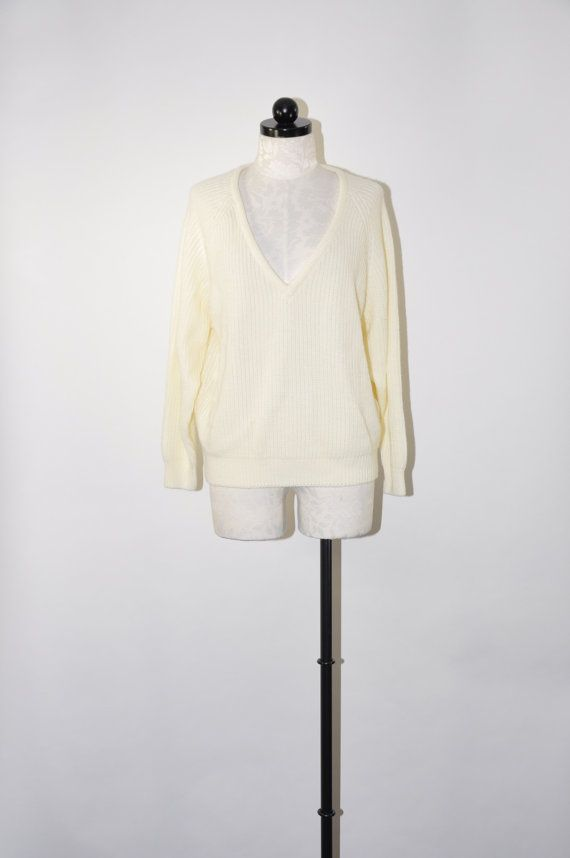 white cropped sweater / slouchy acrylic sweater / by QuietUnrest