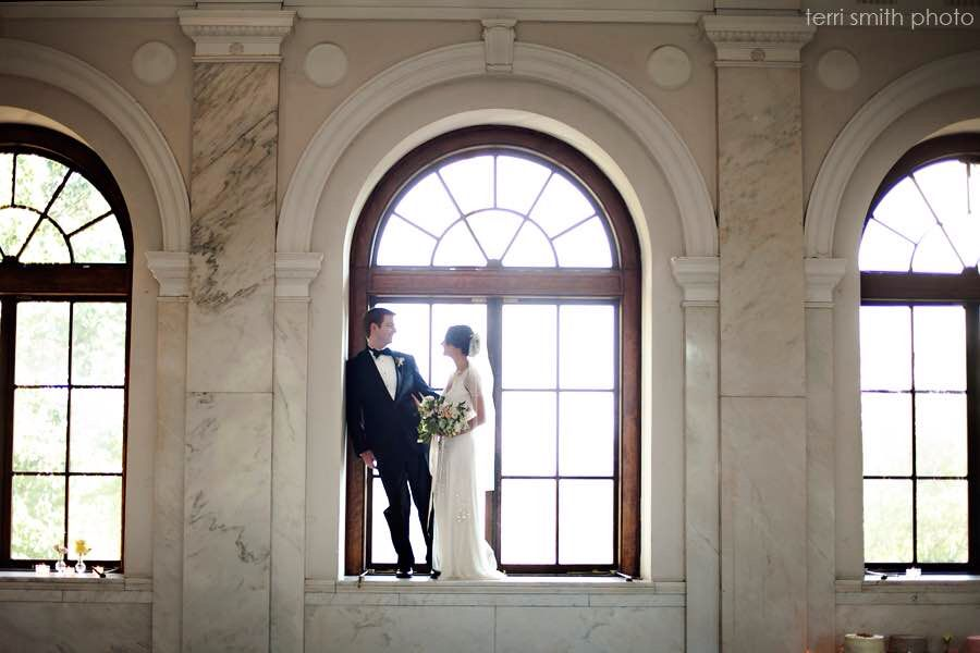 Main Room Historic Dekalb Courthouse Courthouse Wedding Wedding Photographers Diy Winter Wedding