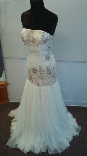 Beaitiful mermaid with light pink flowers and toulle skirt   Wedding ...