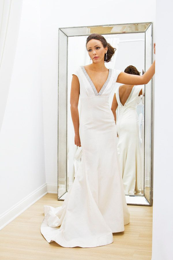 Vintage modern wedding dress. Fit n flare. $3500 | Modern Wedding ...