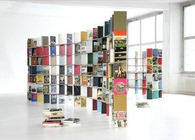 raumgestaltung ideen aus und mit b chern z b ein regal aus alten b chern living do it. Black Bedroom Furniture Sets. Home Design Ideas