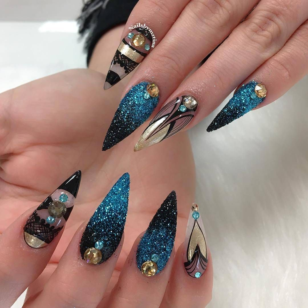 Crystal Chrome Nails: Chrome Pigment And Swarovski Crystal Available On
