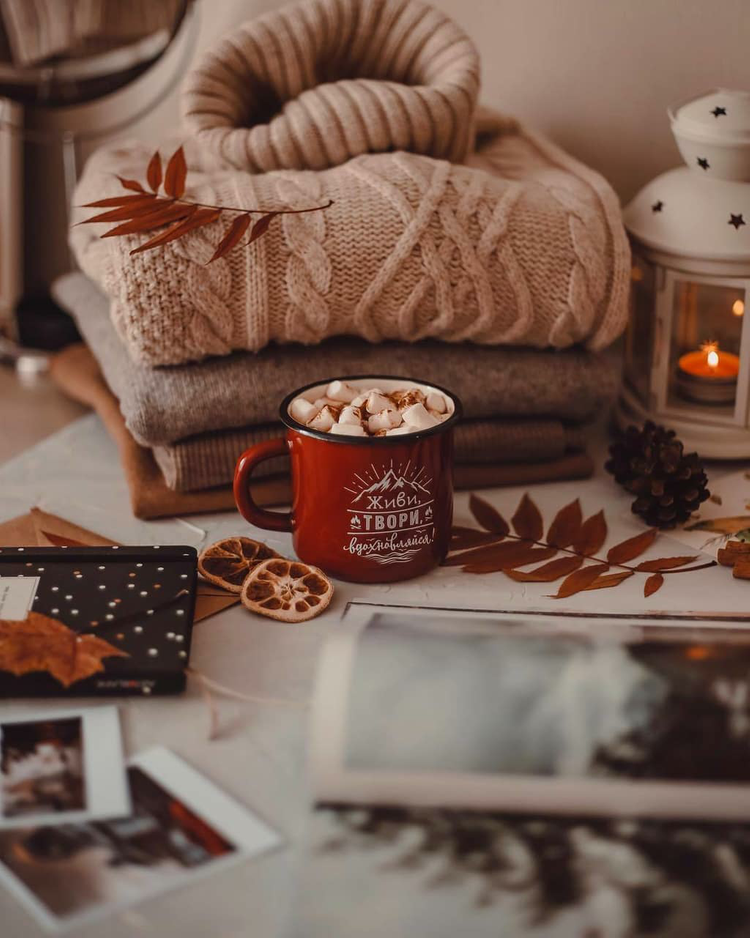 Shared by Itzy. Find images and videos about autumn, cozy and sweaters on We Heart It - the app to get lost in what you love.