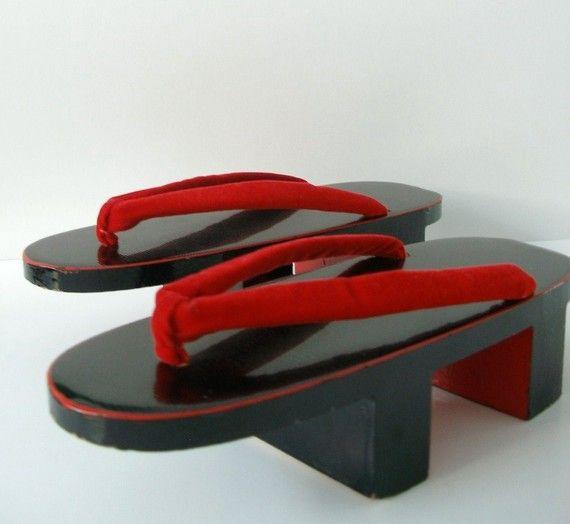 Vintage Japanese Geisha Lacquered Wood Platform Shoes Geta Vintage Japanese Wood Platform Shoes Geisha