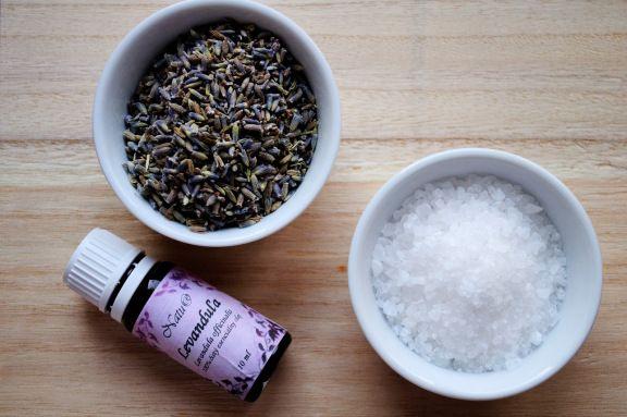 domáca levanduľová soľ do kúpela // homemade levander bath salt