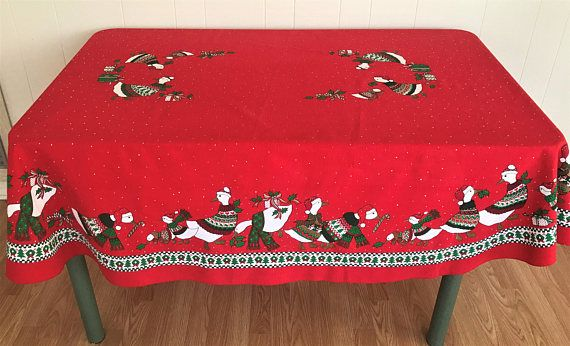 Vintage Christmas Oval Tablecloth Geese Pattern Table Linen Holiday Tablecloths