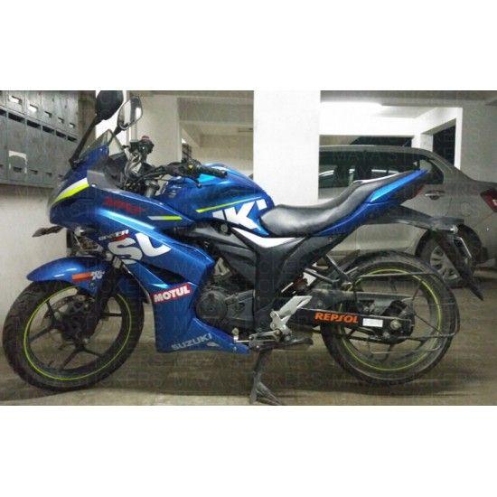 Repsol Logo Sticker On Suzuki Gixxer Sf Swing Arm Honda Bikes Suzuki Honda Cbr