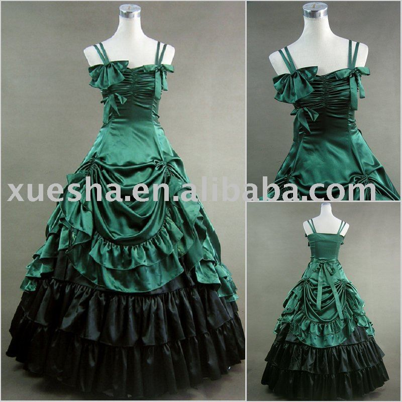 I love this victorian style dress. I would of totally wore this ...