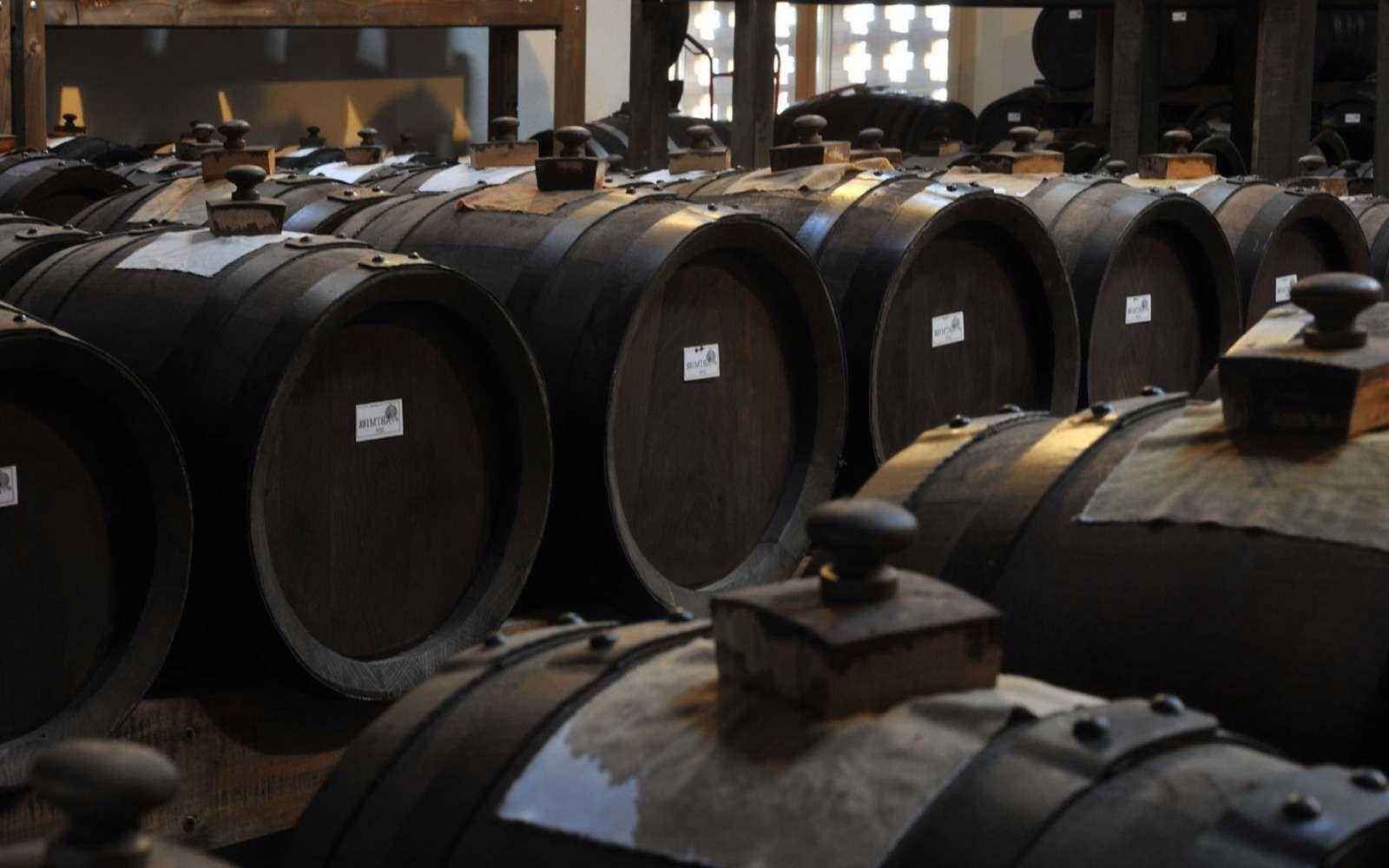Per capire l'aceto a Modena è fondamentale non confondere l'Aceto Balsamico con l'Aceto Balsamico Tradizionale: due prodotti del tutto differenti. Cambia il metodo