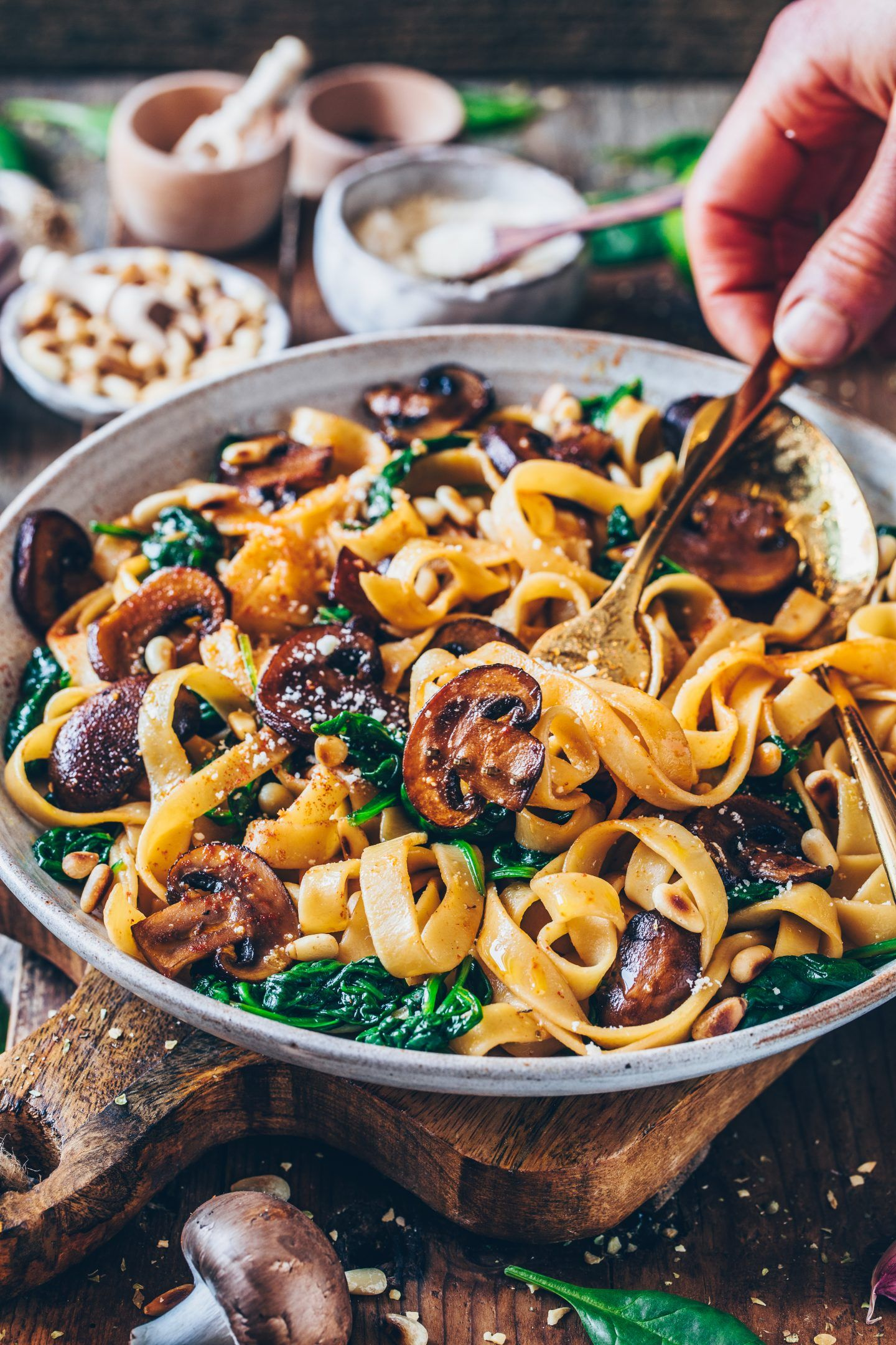 Einfache Pilz-Pasta mit Spinat (vegan) - Bianca Zapatka | Rezepte #quickandeasydinnerrecipes