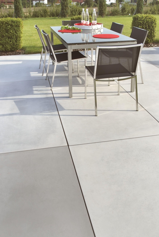 platten aus sichtbeton für garten und terrasse #sichtbeton #beton