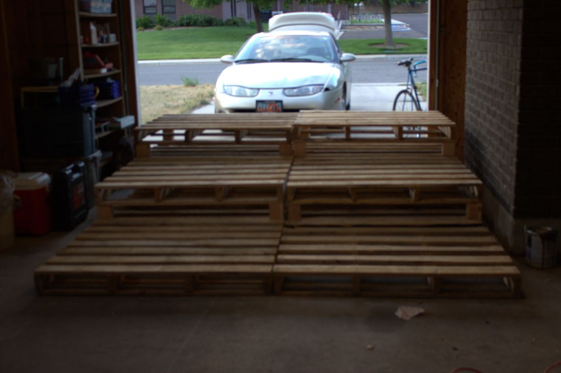 Pallet Theater Seating Added Feet To The 2nd And 3rd Rows And