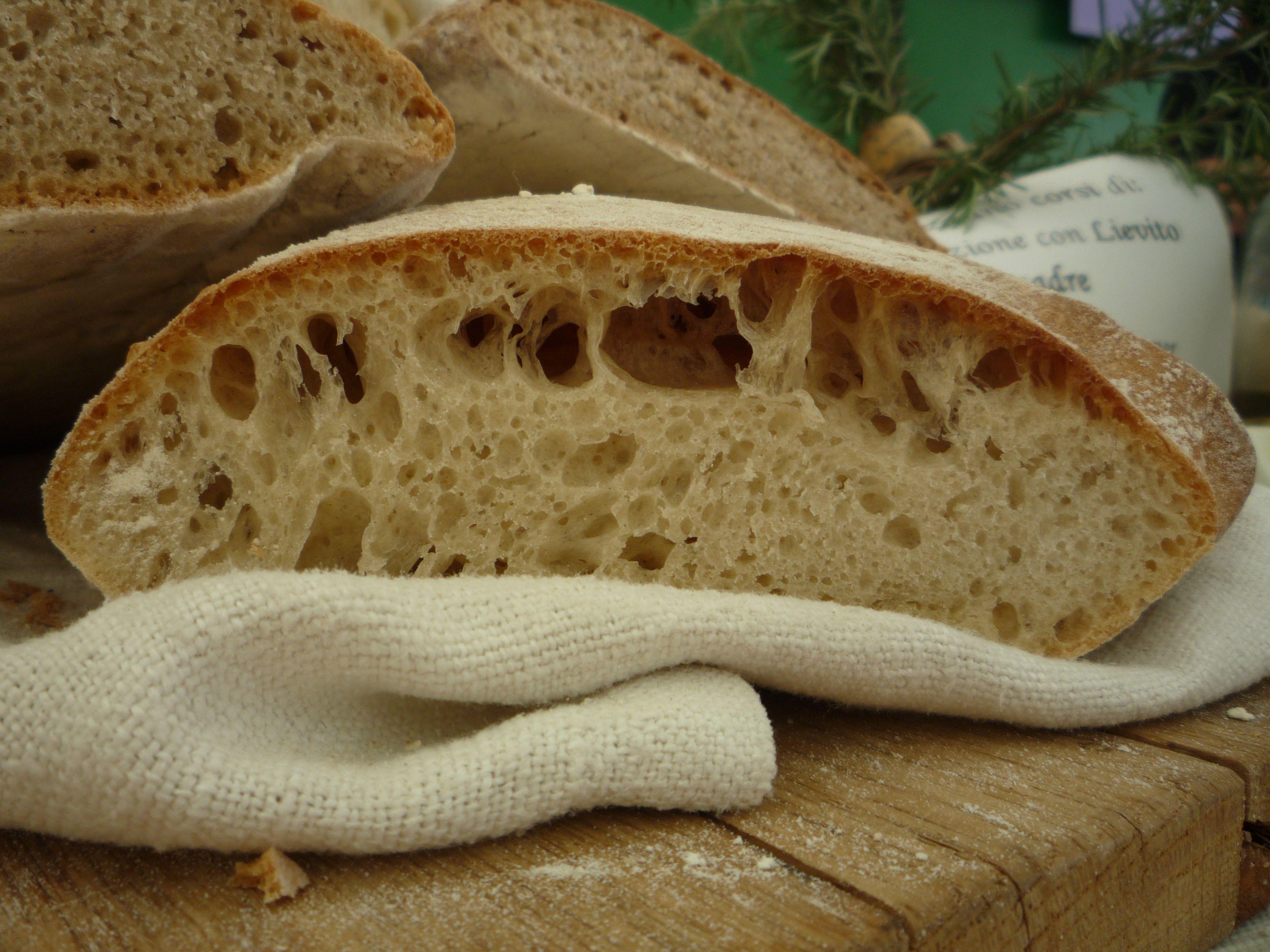 Pane con Lievito Madre e farina pisana tipo 0
