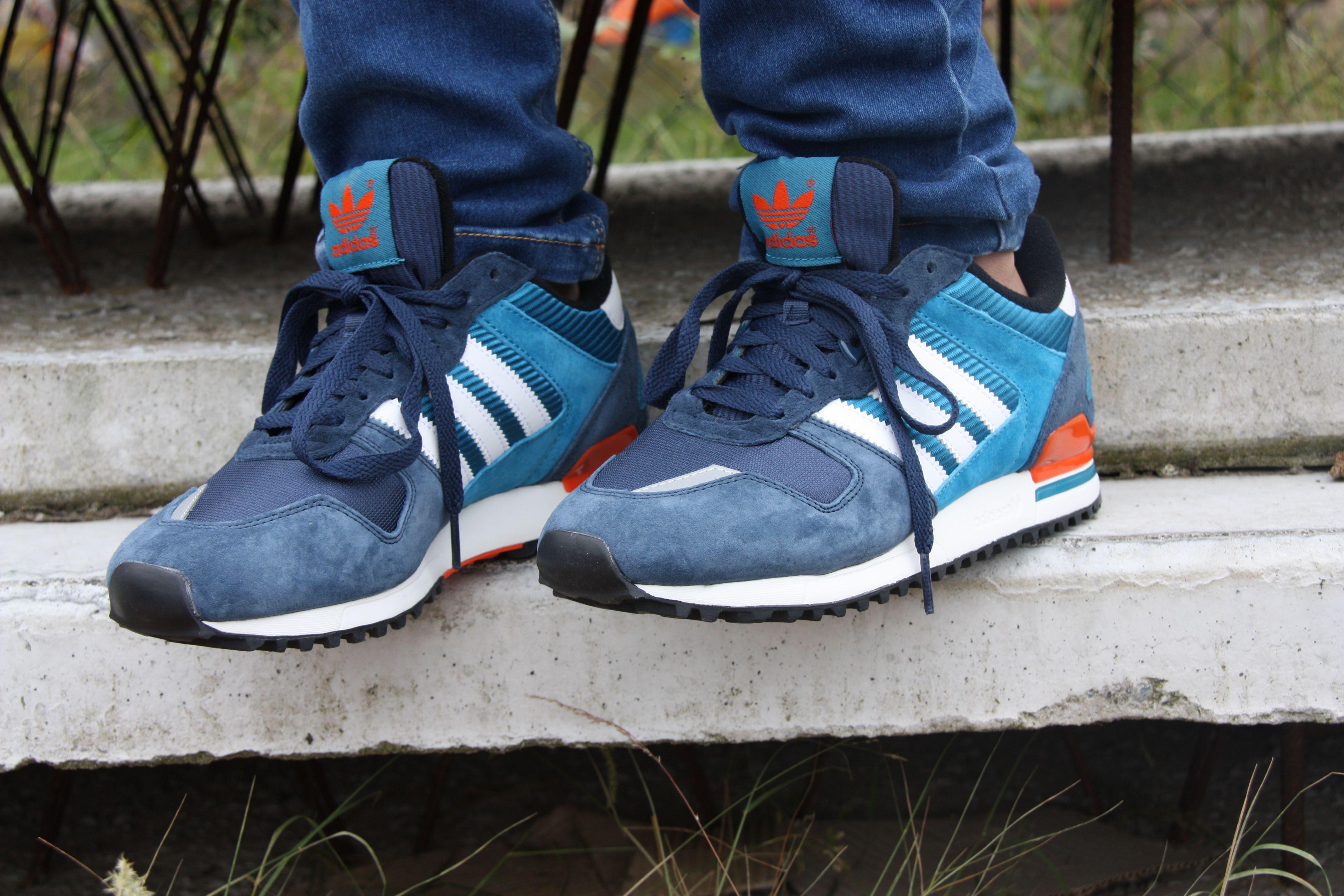 blauwe adidas sneakers zx 700 heren