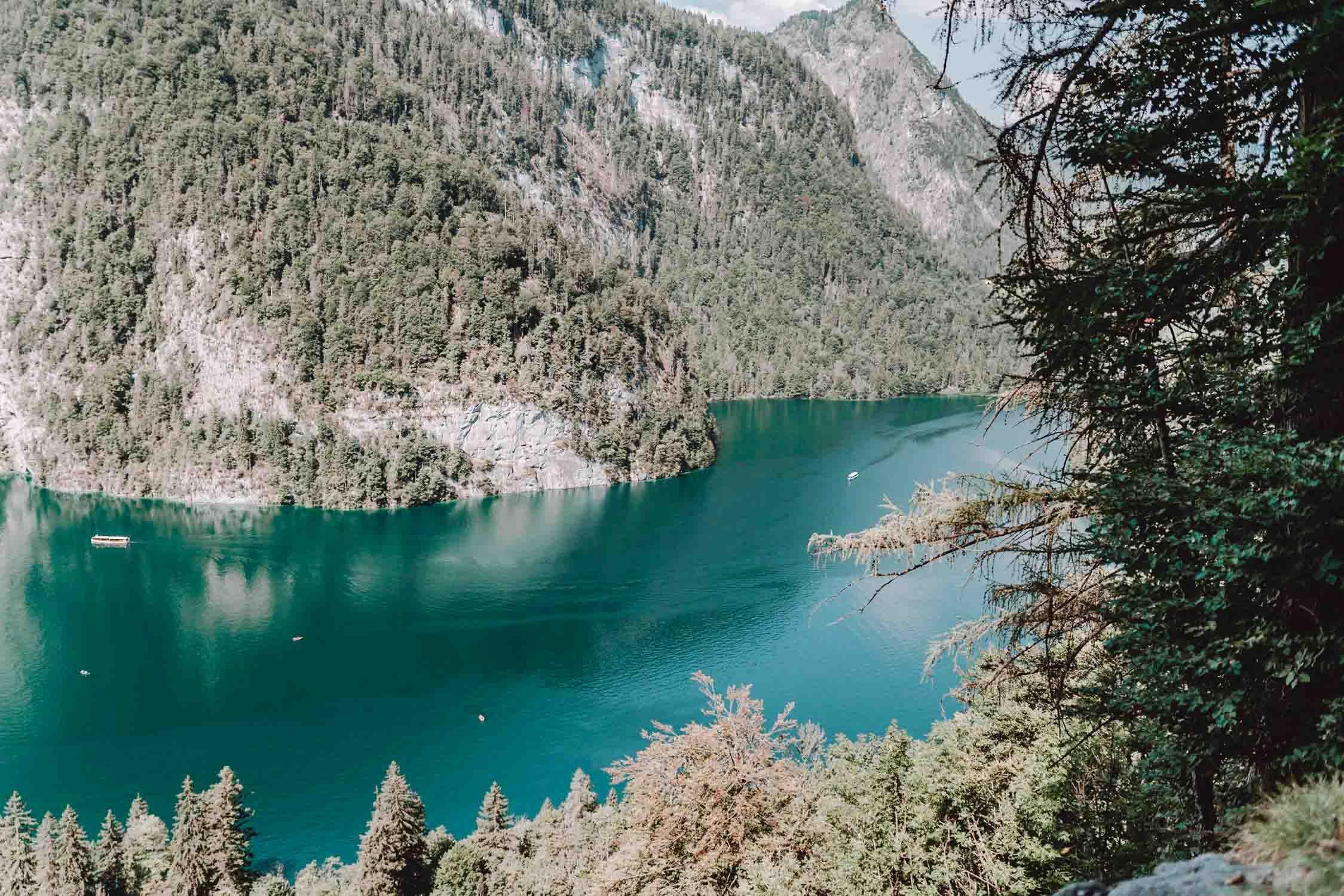 Konigssee Naturpool Und Wasserfall Weg Und Die Schonsten Platze Natur Bad Natur Pool Urlaub Berchtesgaden
