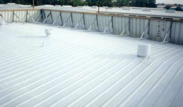 Spray Applied Foam Roofing Extreme Industrial Coatings Roofing Foam Roofing Polyurethane Spray Foam