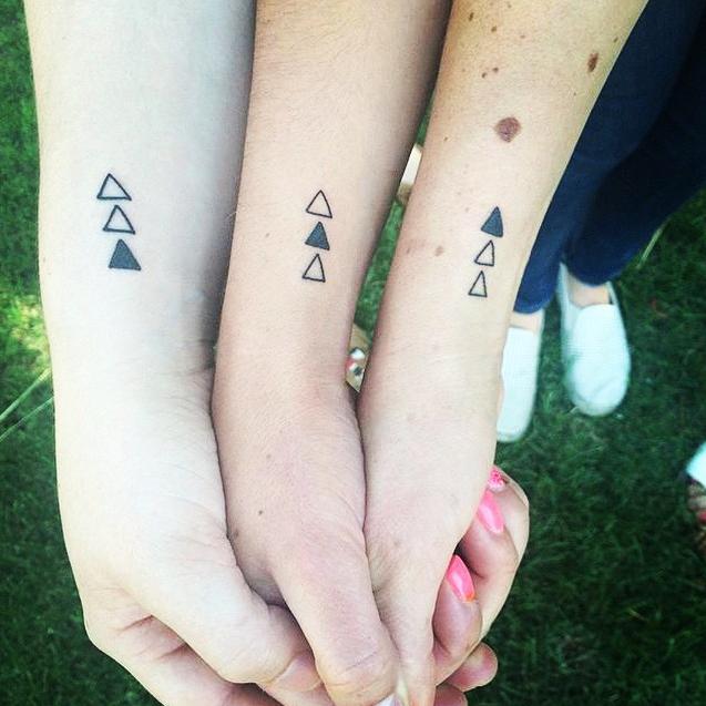 Separamos algumas #sisterstattoos para vocês se inspirarem e eternizarem na pele essa relação! <3