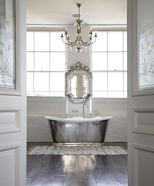 Bathtubs and chandeliers home pinterest chandeliers tubs amazing bathrooms bathtubs and chandeliers aloadofball Images