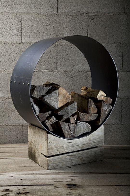 Stiff Construction Metal Log Holder By Civico Quattro | Modern Architecture Design, Interior Design Ideas, Minimalist Home Designs, Garden Layouts, Kitchen Cabinets | FOPPLE.COM
