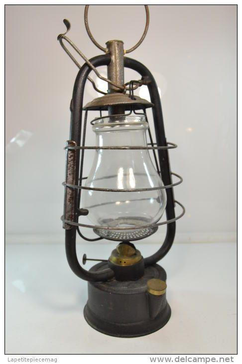 Ancienne Lanterne Lampe Tempete Petrole Numero D Objet