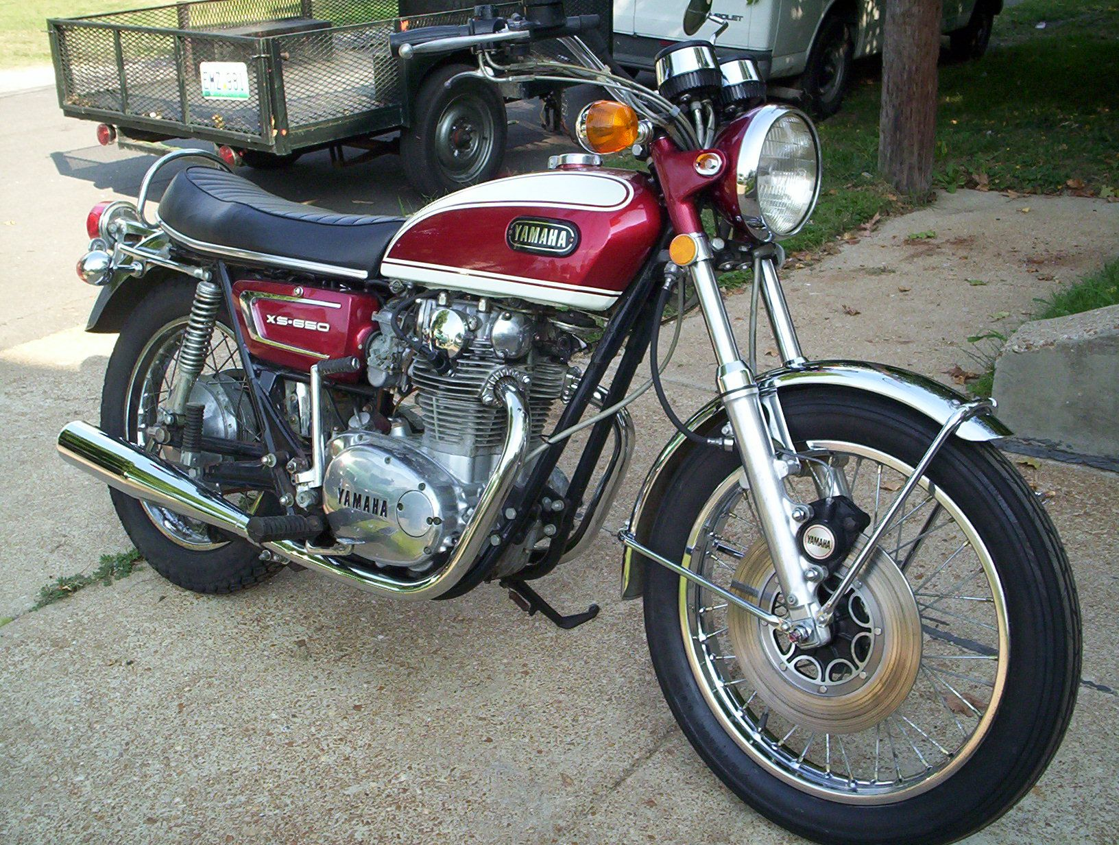 Yamaha XS650 - now, just add the right side crossover pipes