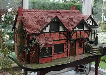 Incredible Doll's House