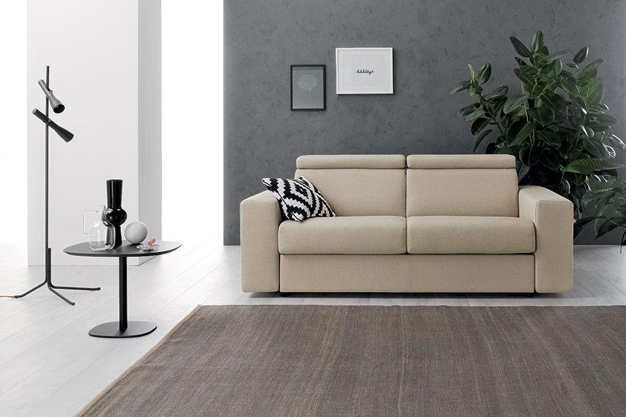 Decorare le pareti del soggiorno con foto e quadri: idee per 10
