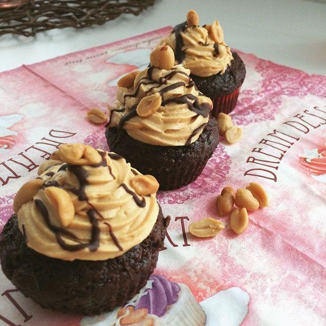 Vegane Snickers Cupcakes Schmooze Pinterest Snicker Cupcakes
