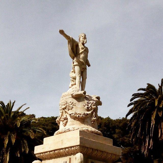 La estatua de Neptuno en el Parque Grande #zaragoza