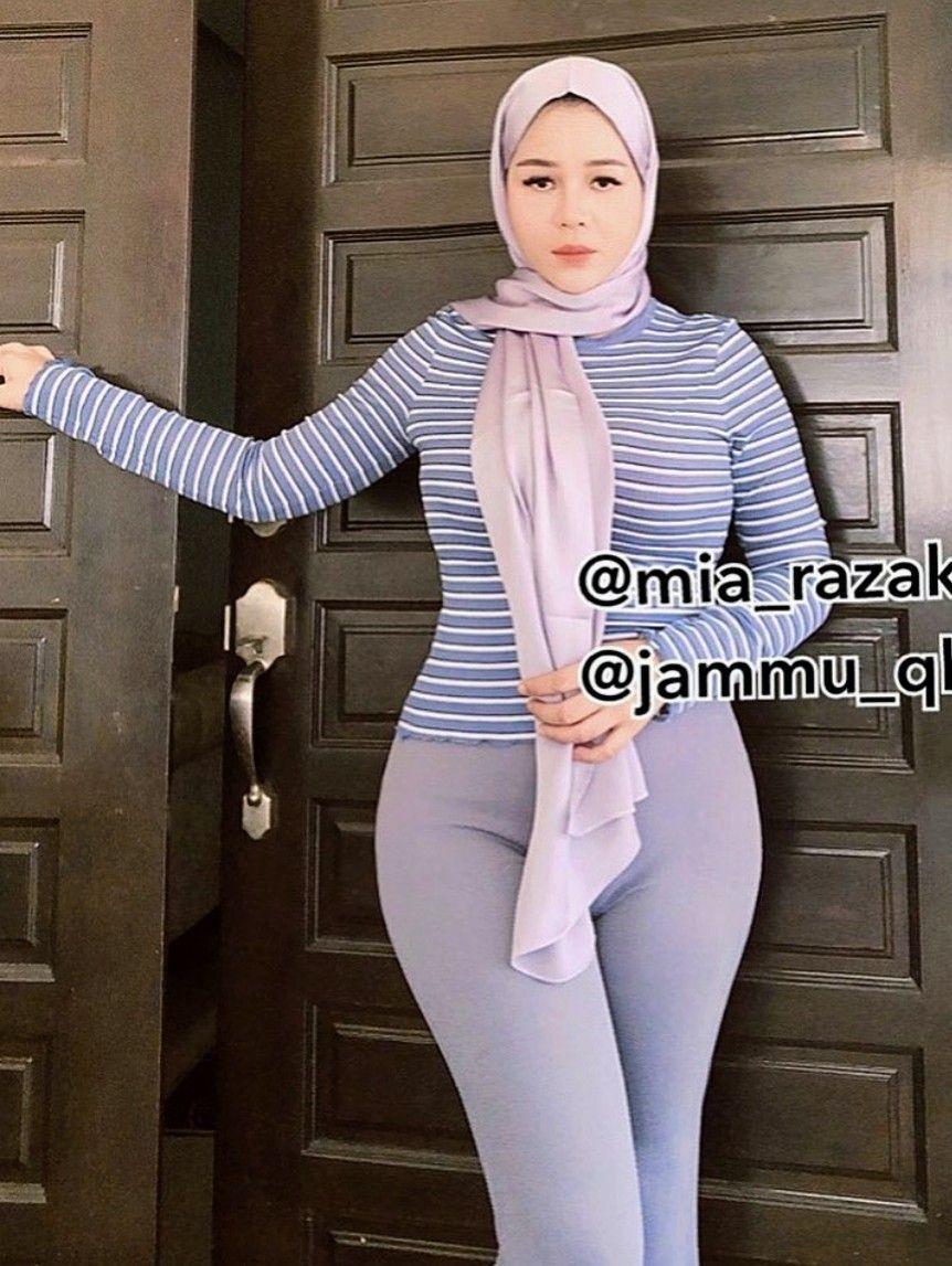Pin Oleh Arthur Wolfgang Di Hijab 13 Di 2020 Wanita Wanita Terseksi Gaya Hijab