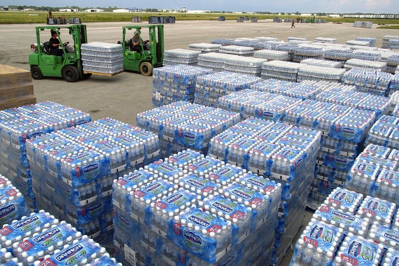 A Step By Step Guide To Pallet Delivery Process Company Water Bottles Fluoride Drinking Water