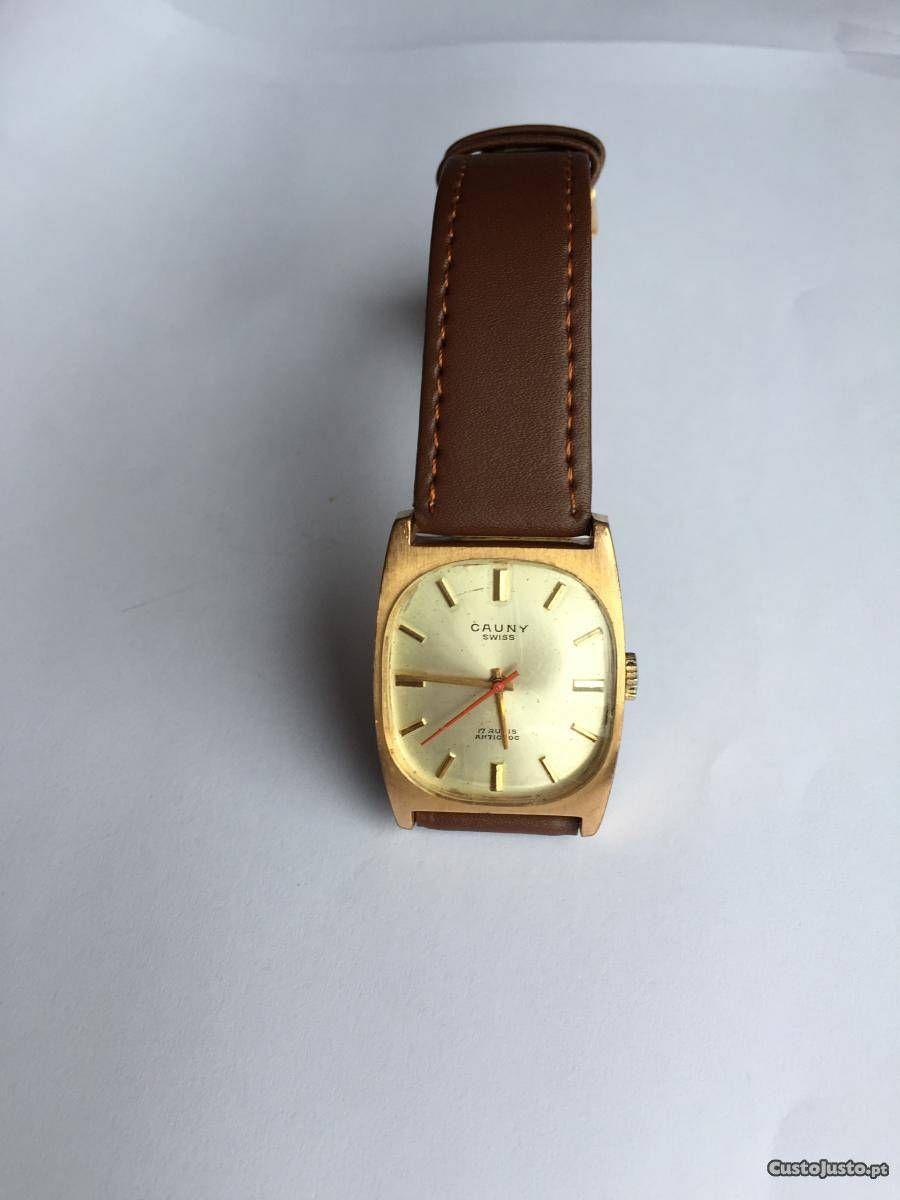 300d5e5b6bb Relógio mecânico (a corda) antigo