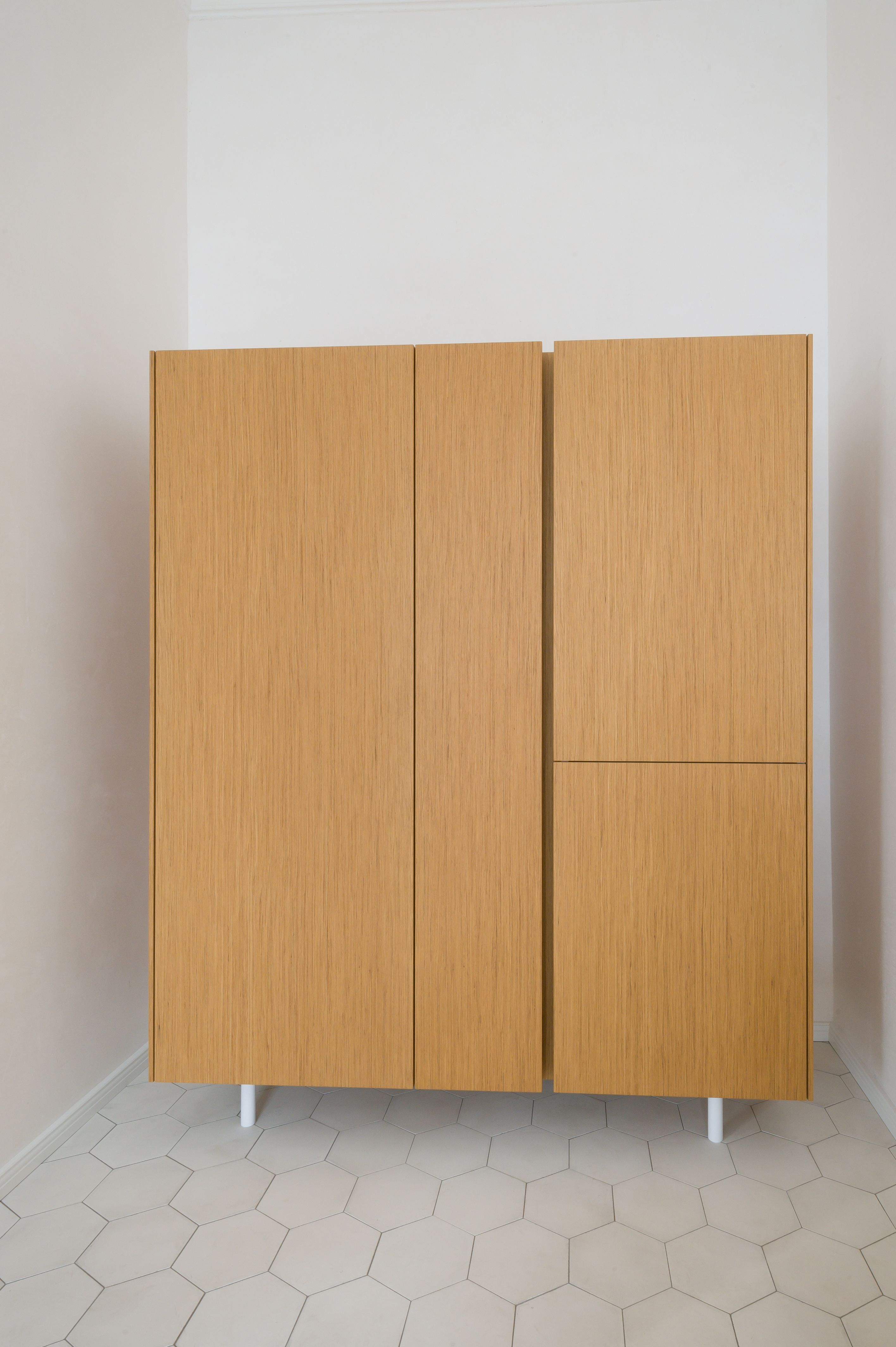 Küche aus Eichenholz | Kühlschrank, Mikrowelle, Ofen