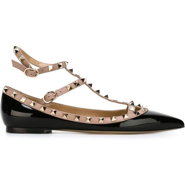 Valentino Garavani 'Rockstud' ballerinas (9.570 ARS) ❤ liked on Polyvore featuring shoes, flats, black, black pointy toe flats, pointy toe ankle strap flats, ballet shoes, valentino flats and black ballerina flats