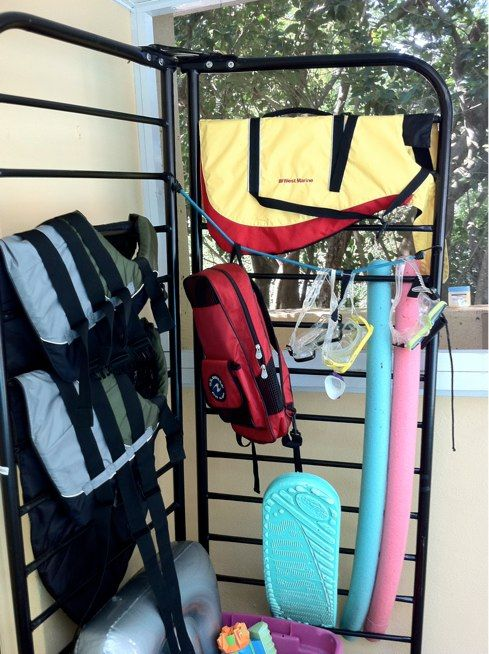 Exceptionnel Do You Have A Pool Deck Full Of Toys, Vests, And Noodles. Check Out This  Cool Rack, Created From An Old Futon Frame! | The Happy Housewife