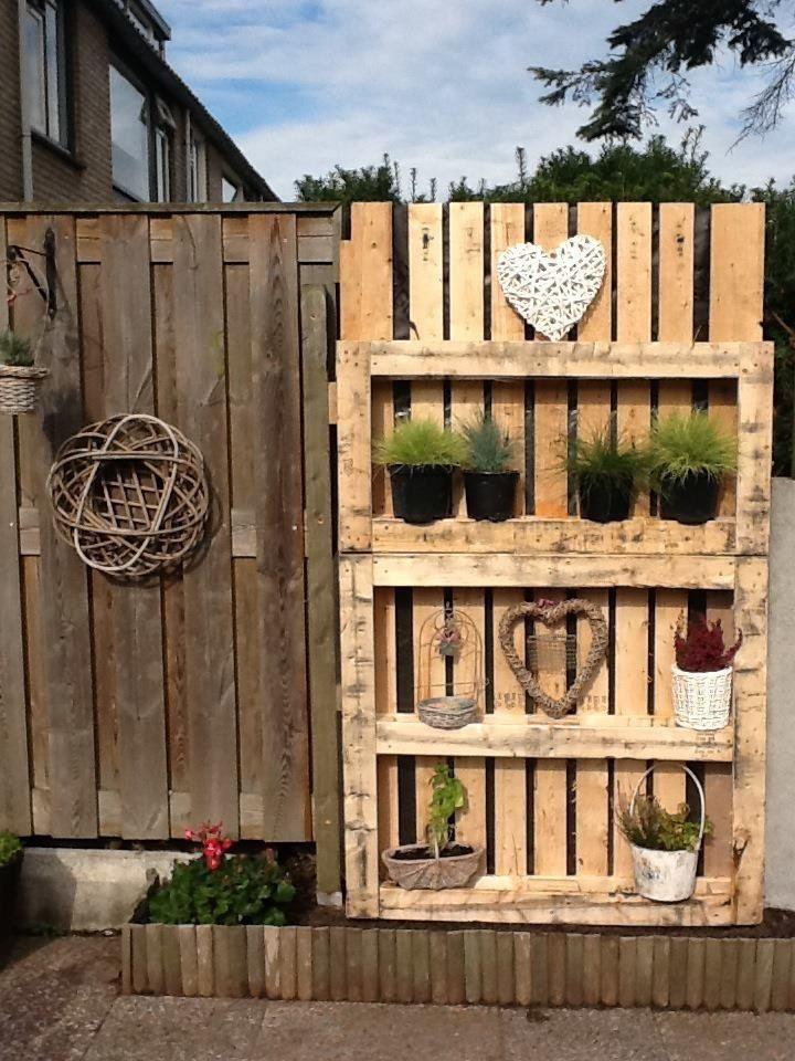 Schutting van pallets tuin pinterest schutting for Wandrek tuin