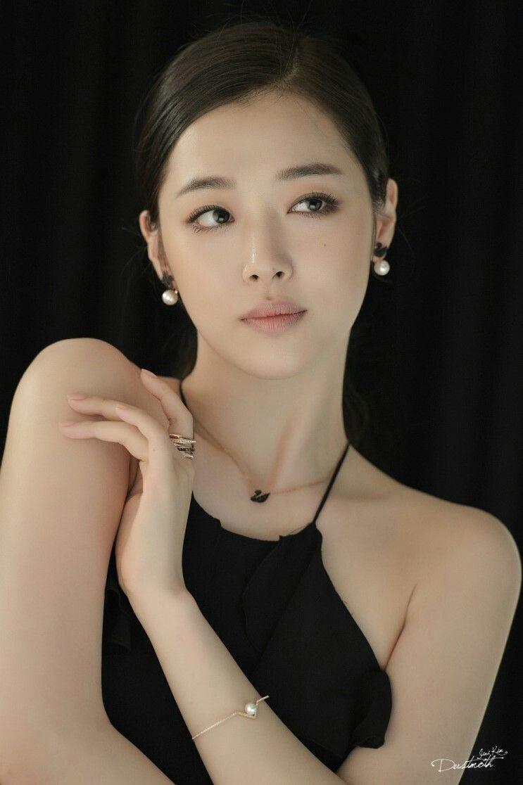 Sulli Choi Nude Photos 16