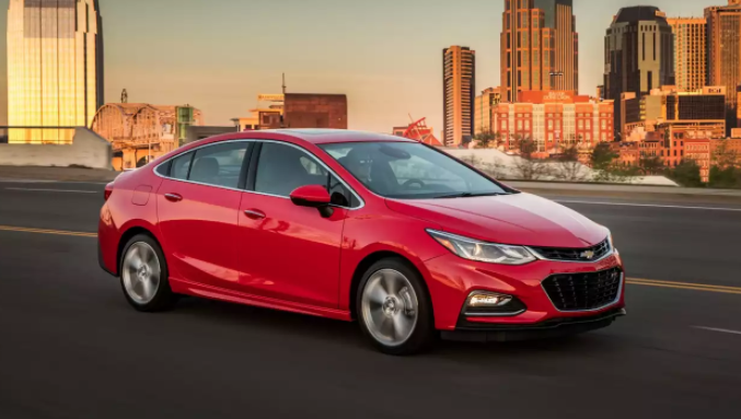 2018 Chevrolet Cruze Review (Dengan gambar)