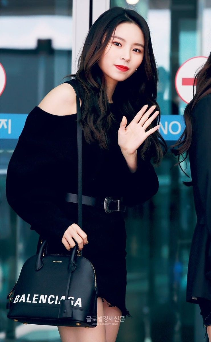 CLC ELKIE @ Incheon Airport off to Hong Kong for 'YOUTH CONCERT'   Yu jin