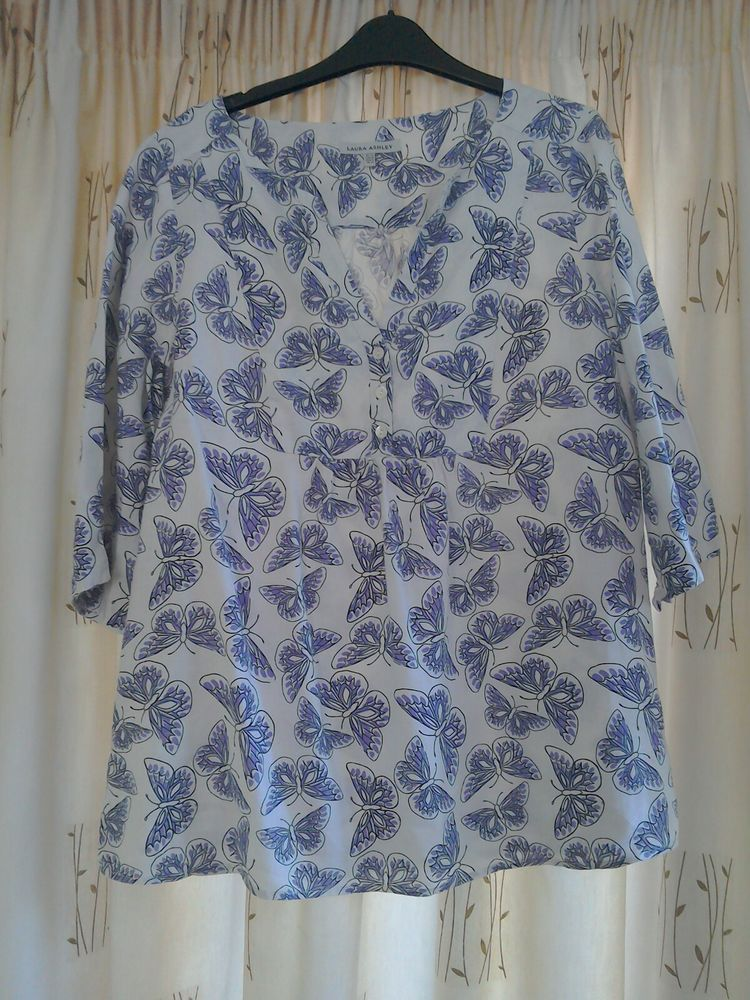 c60c598a240f3 Laura Ashley top size 14  fashion  clothing  shoes  accessories   womensclothing  tops (ebay link)