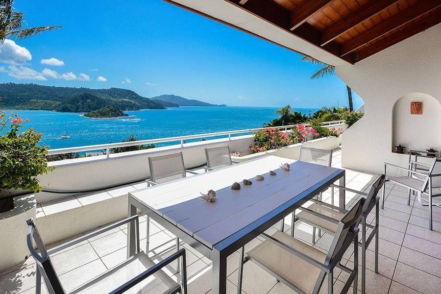 Find Great Savings On Hamiltonisland Accommodation Apartments Book The Luxury Holidayrentals Like A Lavis Holiday Apartments Holiday Home Hamilton Island
