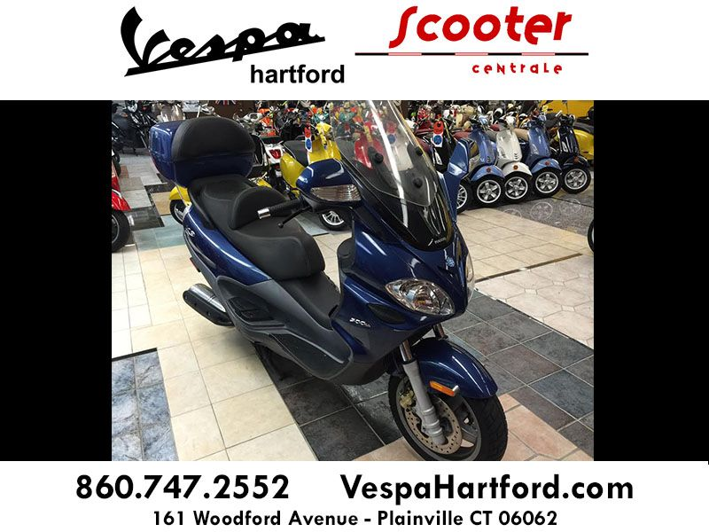 Pre-owned 2005 X9 Evolution 500* Color: Blue Miles: 11,887 Sale price: $2,495.00** Features *1-cylinder, 4-stroke, 39HP engine *60+ MPG *98+ MPH *Automatic twist & go transmission Available at: Vespa Hartford - Scooter Centrale 161 Woodford Ave Plainville, CT 06062 Call 8607472552 or visit VespaHartford.com for additional information #vespa #vespahartford #scooter #scootercentrale #piaggio #x9 #fun #spring