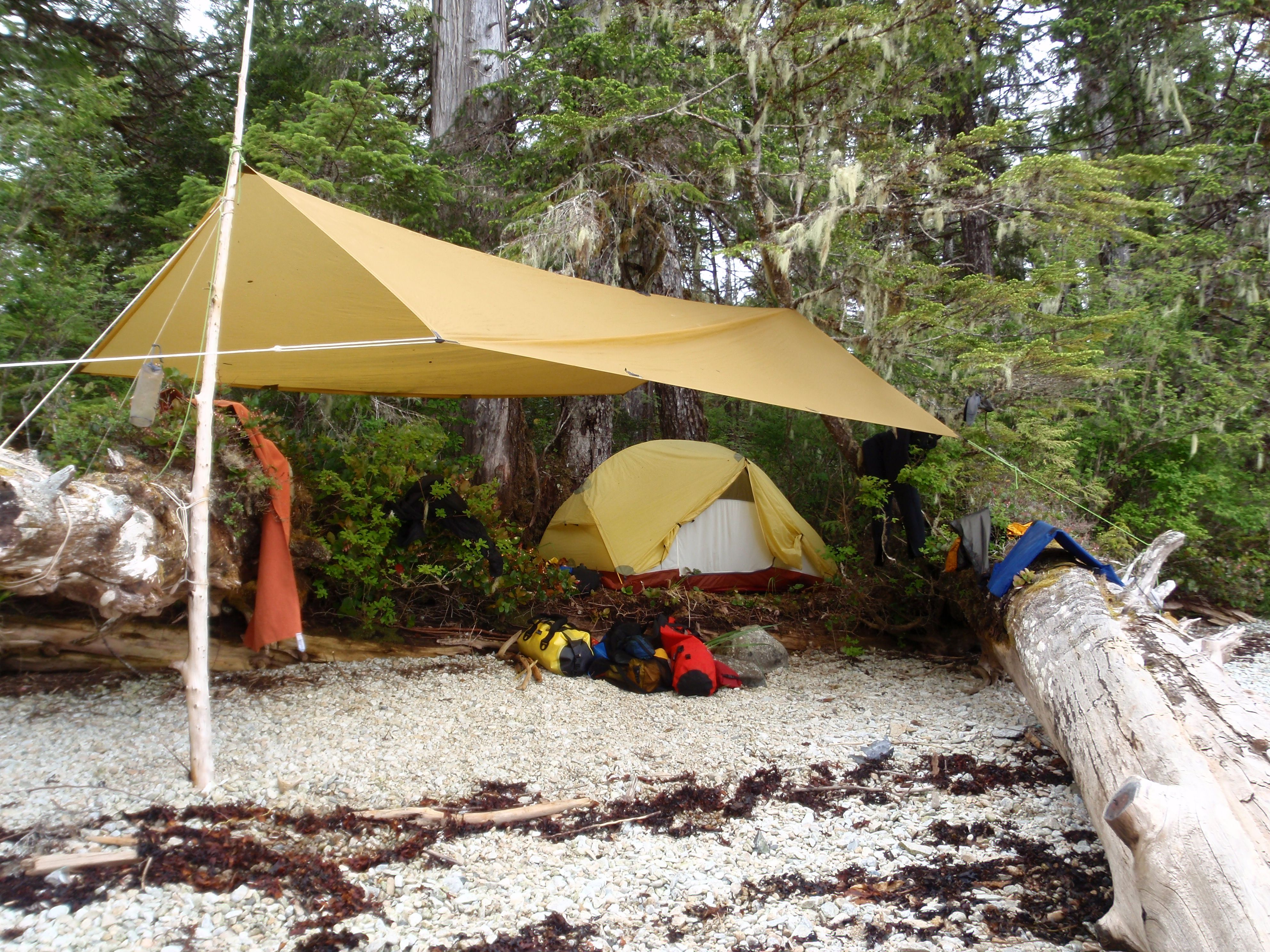 how to set up a tarp for camping