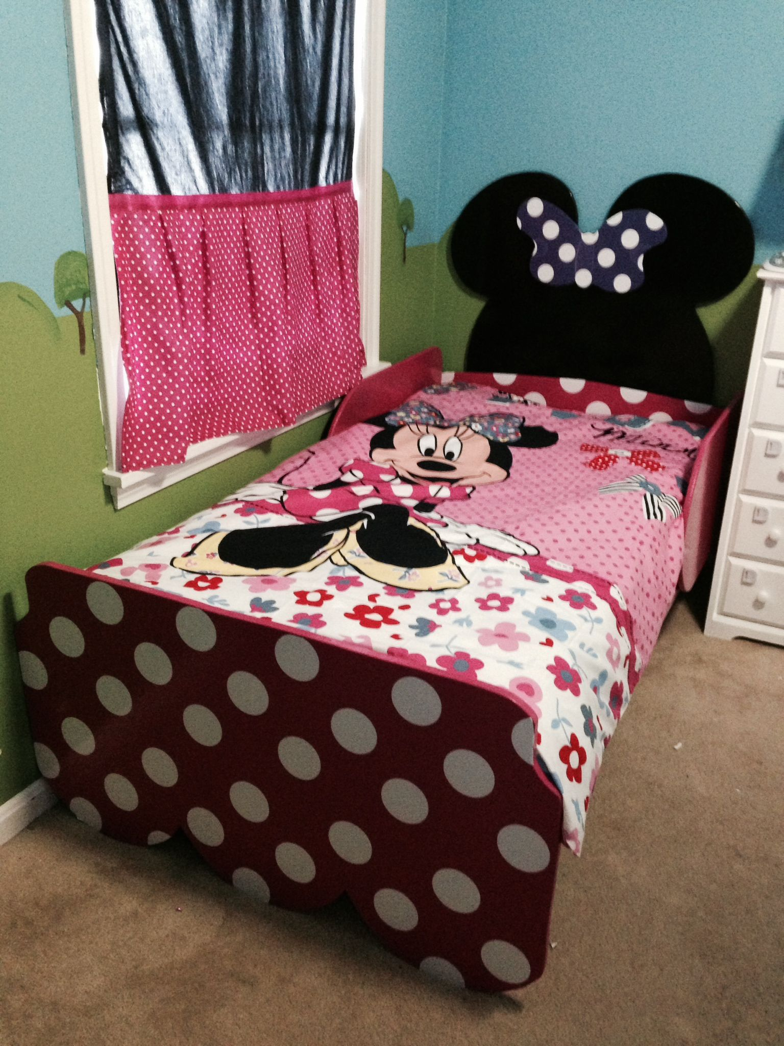 minnie bed micky minnie toddler room toddler rooms 16201 | 2c3750248d3d360bf66ee7e07a9d17da