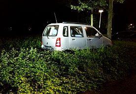 15-May-2015 10:24 - MINDERJARIGE JOYRIDER RICHT RAVAGE AAN IN DEN BOSCH. Een jonge joyrider heeft vanmorgen een 'ravage' aangericht in Den Bosch. Dat meldt de politie op Twitter. De minderjarige zou de straat op zijn…...
